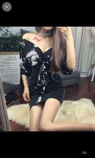 🚚 Floral top v cut dress