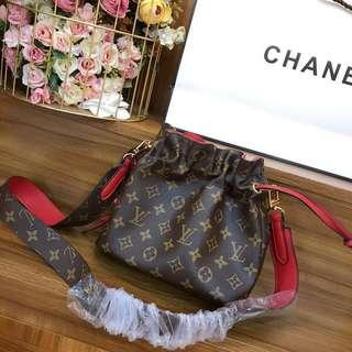 LV Montaigne BB bucket bag