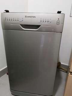 🚚 Ariston Dishwasher