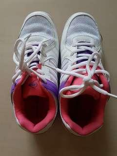 Europe size 38 Badminton Shoes Dunlop