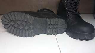 RUSH SALE!!! Timberland Ankle Boots for Women