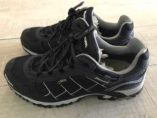 Brand new Meindl Goretex trail / hiking / running shoes