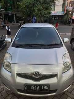 Toyota Yaris Tipe J A/T 2012 Silver Metalik
