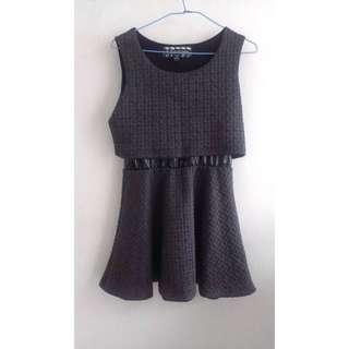 🚚 50% FIFTY PERCENT鐵灰色棉質x漆皮假兩截式格子壓紋洋裝S號