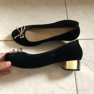Jelly black suede heels