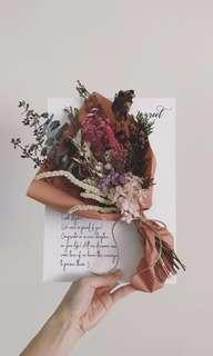 🚚 Personalised A4 Dried Flowers Board - Pursue your dream