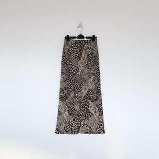 🚚 二手 很多隻 野生 豹紋 長裙  明太子 B324