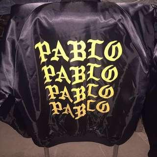 PABLO Bomber fr yeezy pop up store size S never worn stores away.