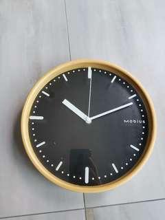 🚚 Chic minimalist Black Wall clock