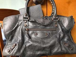 Balenciaga Bag (裂紋灰色手袋)