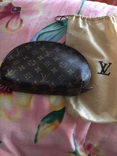 LV化粧包