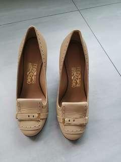 Ferragamo Cannella Calf Ninu Heels (brand new)