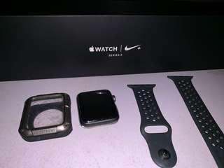 Iwatch 42mm Nike Series 3 *2ndhand*