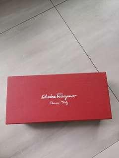 🚚 Salvatore Ferragamo Box