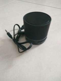 🚚 Portable mini speaker