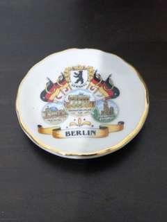 🚚 Berlin mini porcelain plate fridge magnet