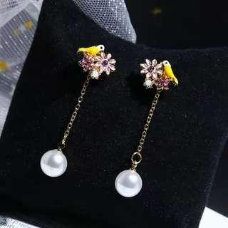 <free pos 3 pairs & above> Korean design floral theme bird earrings with pearl