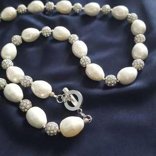 Pearl white necklace