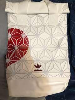 # Adidas Originals BP ROLL TOP 3D 三宅一生 鑽石 白色愛心情侶聯名款