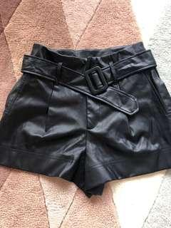 🚚 Zara faux leather high waist belted shorts m