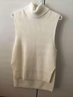 Uniqlo Turtleneck Sleeveless Jumper