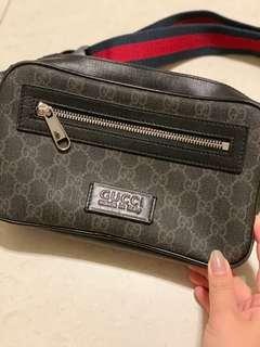🚚 Gucci Waist Pouch // belt bag