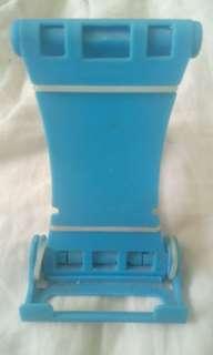 🚚 藍色手機架(有白色線)<長7寬11高12共30商品60運費100共160>