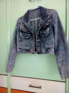 🚚 百搭深藍刷色仿舊牛仔丹寧短版外套  #牛仔 #丹寧 #短版外套  可換物