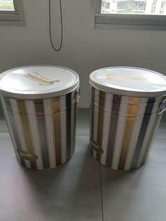 🚚 Garrett popcorn tin cans and bags
