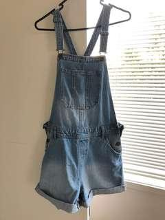 Dungarees/overalls