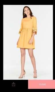 🚚 TCL Cherine Floral Dress M (Mustard)