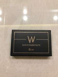 W Selfie Eye Shadow Plaette