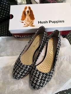 Hush Puppies shoes (White-Black) 船踭鞋(黑白色)
