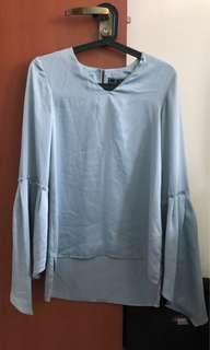 Aere bell sleeved top