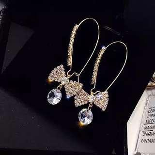 <free pos 3 pairs & above> Korean design diamond ribbon earrings
