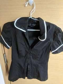 Black short sleeves buttoned top