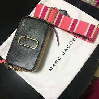 MARC JACOBS (PINK)