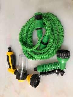 Expandable garden hose with car wash water gun