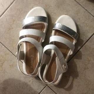 Fladeo White Sandals