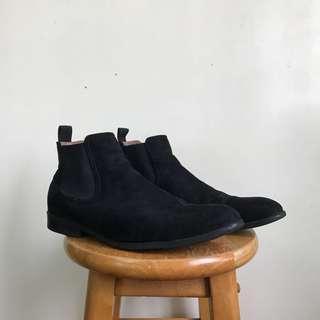 H&M Black Suede Chelsea Boots