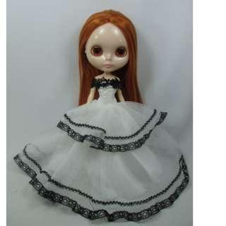 BN Neo Blythe white gown dress