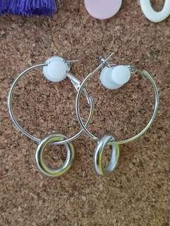 🚚 Silver Hoop Earrings