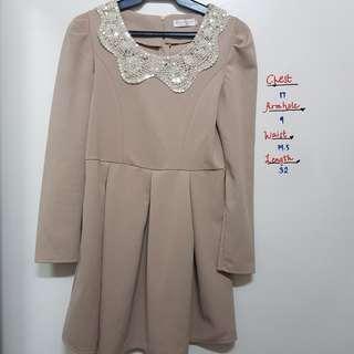Cute brown sequined longsleeve dress