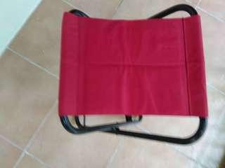 🚚 Portable and foldable red stool