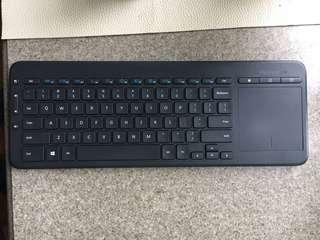 Microsoft usb無線鍵盤連trackpad
