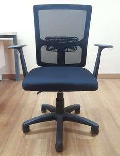 Ardent Office Chair (Kursi Kantor Merk Ardent) Black Color