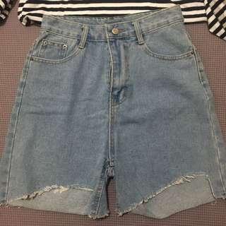 淺藍剪破感五分牛仔褲