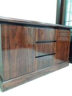 木櫃 - 舊但保證超級紮實, 靚木,絶不是Ikea貨色
