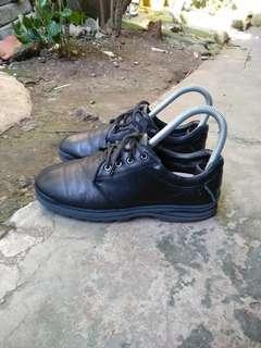 Sepatu kulit anak anak hush puppies boots original size 34