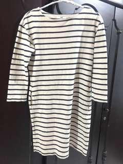 UNIQLO DRESS STRIPED